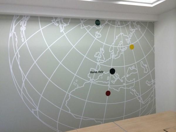 מיתוג קיר משרד
